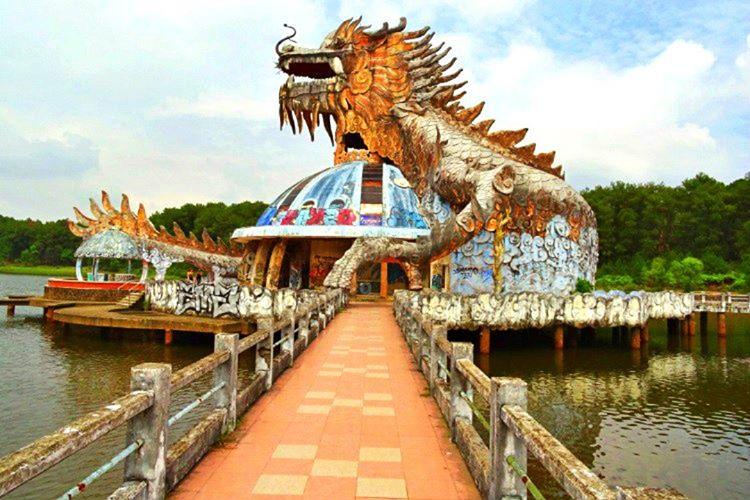 Dreamland park 1949 açılmış ve 2003'e kadar çalışmaya devam etmiş, sonunda da kapanmak zorunda kalmış.