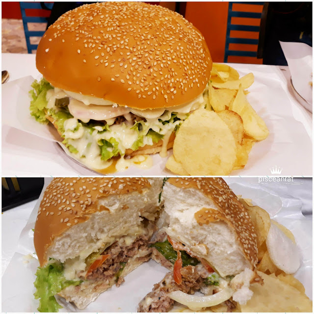 Burger Compression. Papa's Special Big Burger. The burger patty and bread is thickkk. They also have the burger challenge where you can eat this for FREE if you win.
