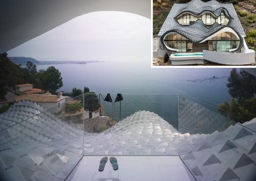 00-GilBartolomé-Pablo-Gil-Jaime-Bartolomé-Architecture-with-the-Casa-del-Acantilado-Cliff-House-www-designstack-co