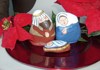 unique nativity sets, painted rocks, display, idea, Cindy Thomas