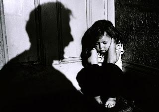 Картинки по запросу Домашнє економічне насильство.