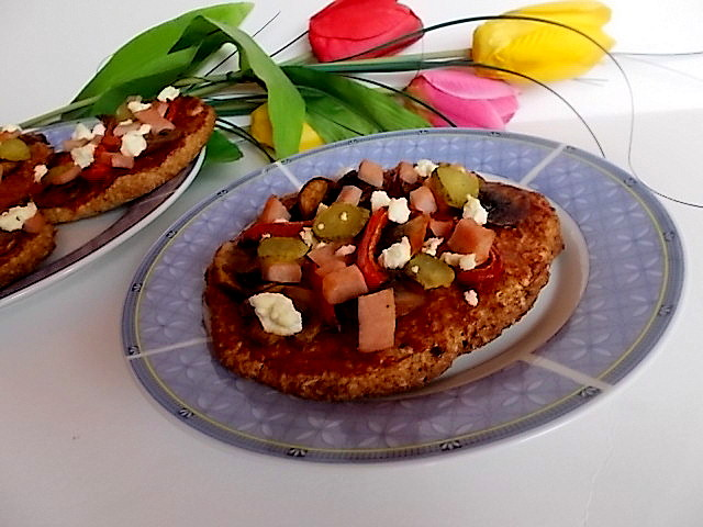 Pizzerinki cebulowe  z mąki pełnoziarnistej.