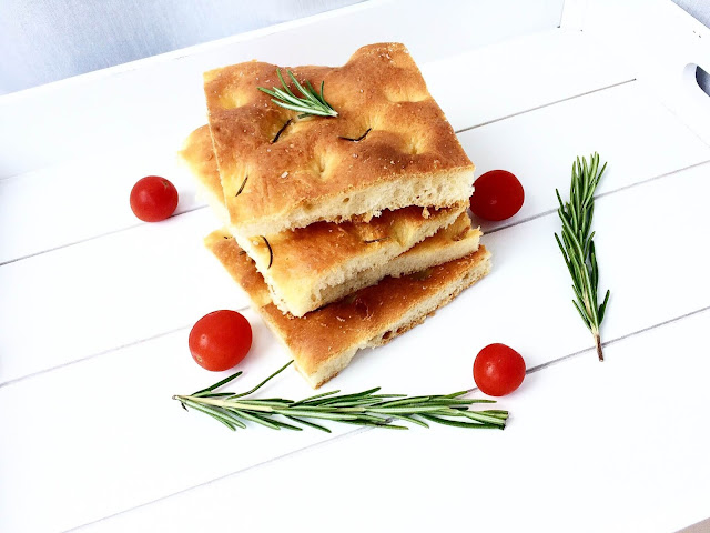 Gotowanie po włosku: klasyczna focaccia
