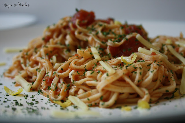 Homemade Linguine with Zesty Tomato Sauce and a Sprinkling of Parsley