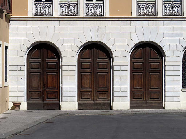 Town Hall three doors, piazza del Municipio, Livorno