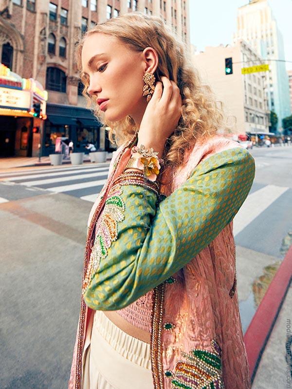 Moda urbana primavera verano 2019. Ropa de mujer de moda 2019.