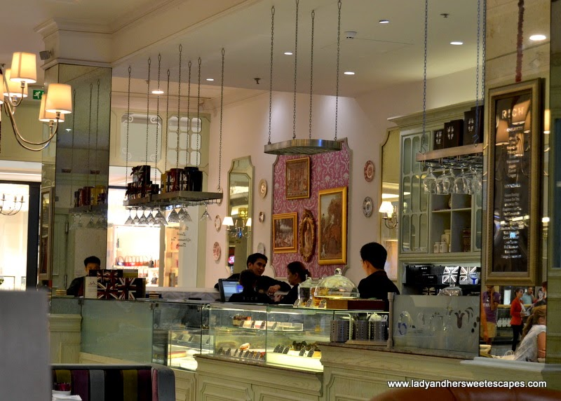 a charming cafe and restaurant at Mall of the Emirates
