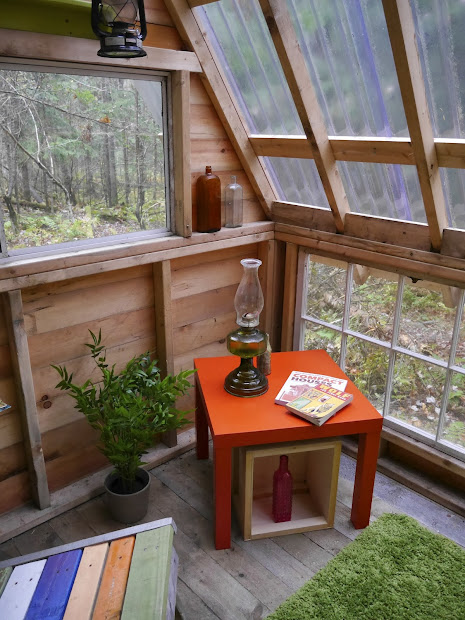Sixteen Tiny Houses -frames Huts Art