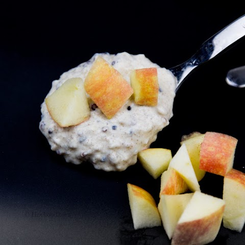 Quinoa Yoghurt Bowl