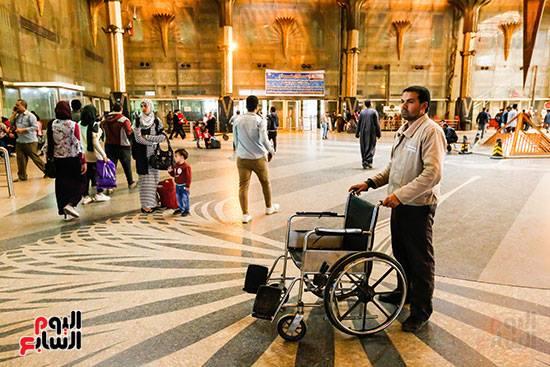 شاهد صور من داخل محطة مصر علي مستوي عالمي بعد تولي كامل الوزير وزارة النقل والمواصلات