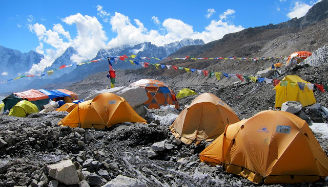 you will spend one night in these tents when you trek to everest base camp.