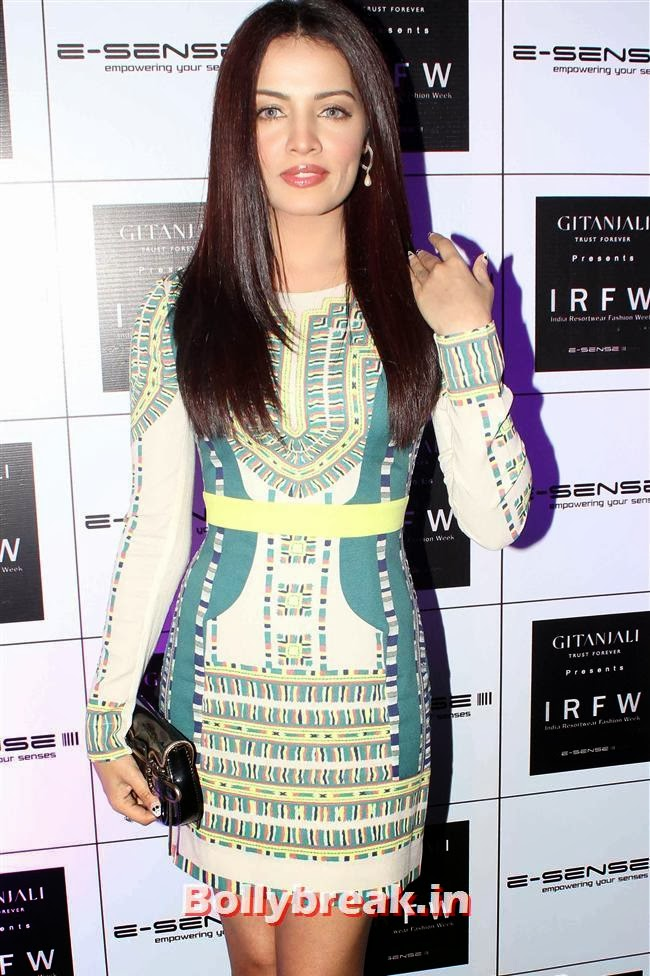 Celina Jaitley, Top Bollywood Celebs at India Resortwear Fashion Week 2013