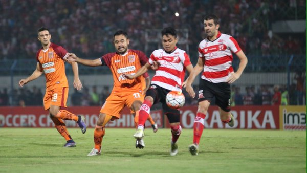 Madura United vs Borneo FC