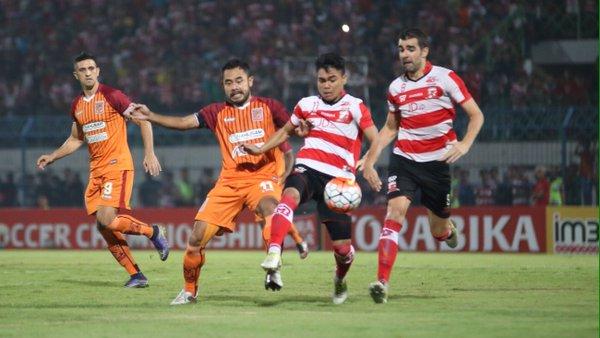 Madura United vs Borneo FC