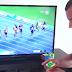 Este hombre logra armar un cubo rubik antes de que Usain Bolt llegue a la meta