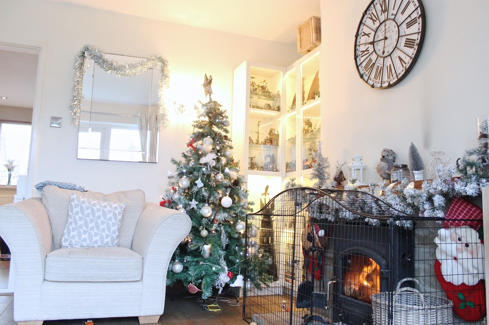 Our Christmas Home Decor - An Award-Nominated Family and ...