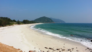 7 Beautiful Beachs in Halong Bay 3