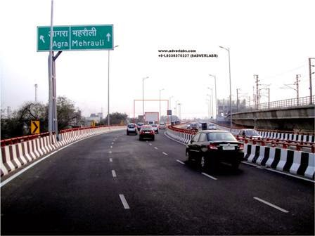 Ashoka-flyover-in-Gurgaon-is-possessed-by-spirit-of-a-lady