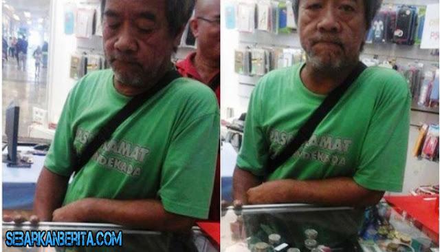 Pria Tua Ini Ingin Beli Smartphone Pakai Uang Koin, Tetapi Uangnya Masih Kurang 48 Ribu ,Hp Itu Digunakan untuk...