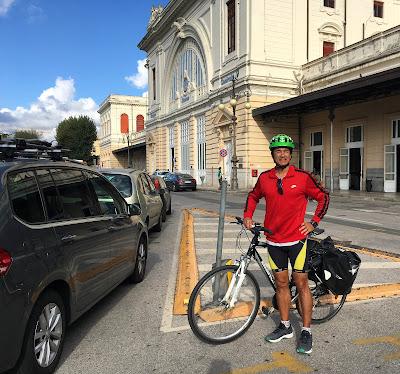 cycling tuscany bike rental in Livorno Italy