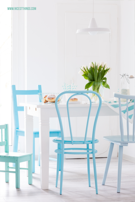 DIY Ombre Blue Spray Paint Chairs