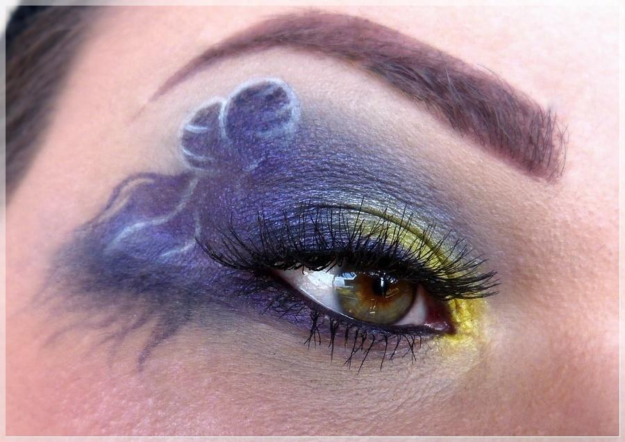 human luna makeup