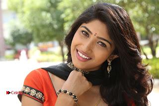 Telugu Actress Roshini Prakash Stills in Saptagiri Express  0010.JPG