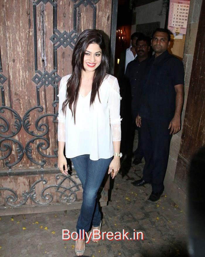 Shamita Shetty, Hot Pics of Priyanka Chopra, Shilpa Shetty From 'Dil Dhadakne Do' Trailer Launch at Anil Kapoor Residence