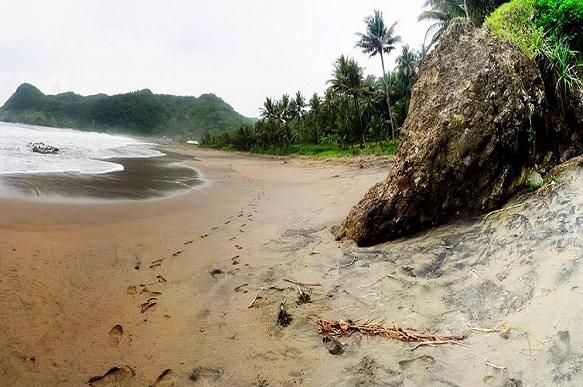 Pesona Taman Surga Pantai Watu Bale Kebumen Jawa Tengah