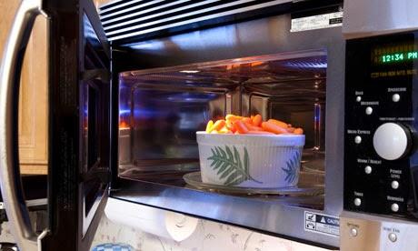 memasak dengan microwave oven