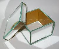 Resultado de imagem para caixa de vidro