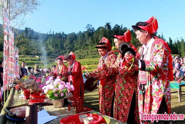 Lễ hội Bàn Vương hút khách đến với mùa vàng ruộng bậc thang