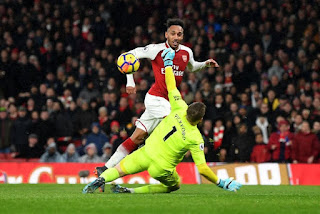 Aubameyang-se-estreno-con-gol-con-el-Arsenal