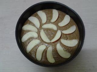 كيكة دايت بالدقيق البر وبطعم التفاح والقرفة للريجيم  diet cake