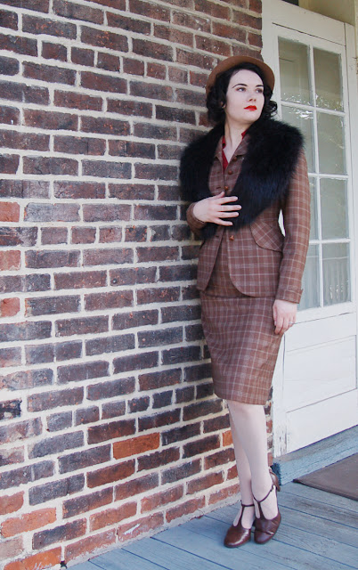 vintage suit, retro, 1920s, vintage, suits, skirt suits, thrifted, Sabrina, fedora, hat, fashion blogger, vintage fashion blogger, fashion bloggers