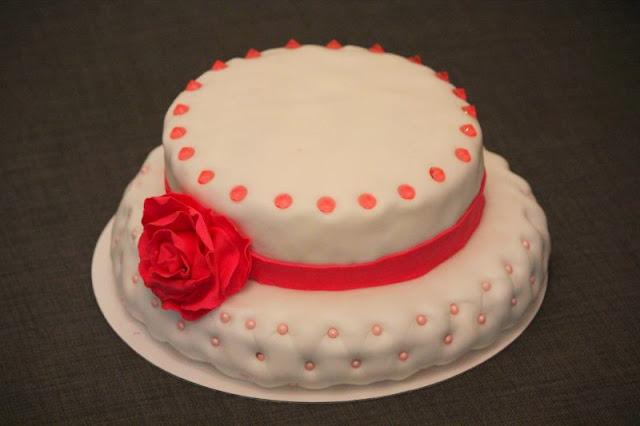 tort, kapelusz, lukier plastyczny