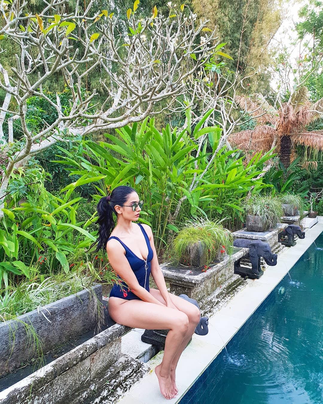 Sarah-Jane Dias Hot Booty In Bikini   Indian Girls Villa - Celebs Beauty, Fashion and Entertainment