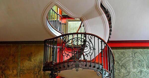 Escaleras caracol estilo vintage decoraci n del hogar for Decorar escalera caracol