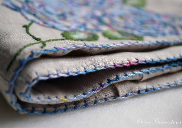 Петельный шов. Как украсить боковые швы подушки.
