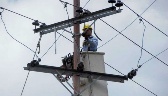 Trabajadores eléctricos de Venezuela llaman a paro nacional este lunes