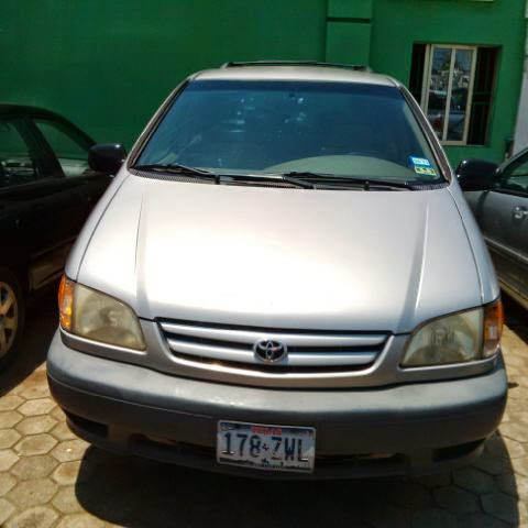 Toyota Sienna 2001 Full Option
