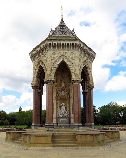 Drinking fountain erected by H.A. Darbyshire, Victoria Park, London