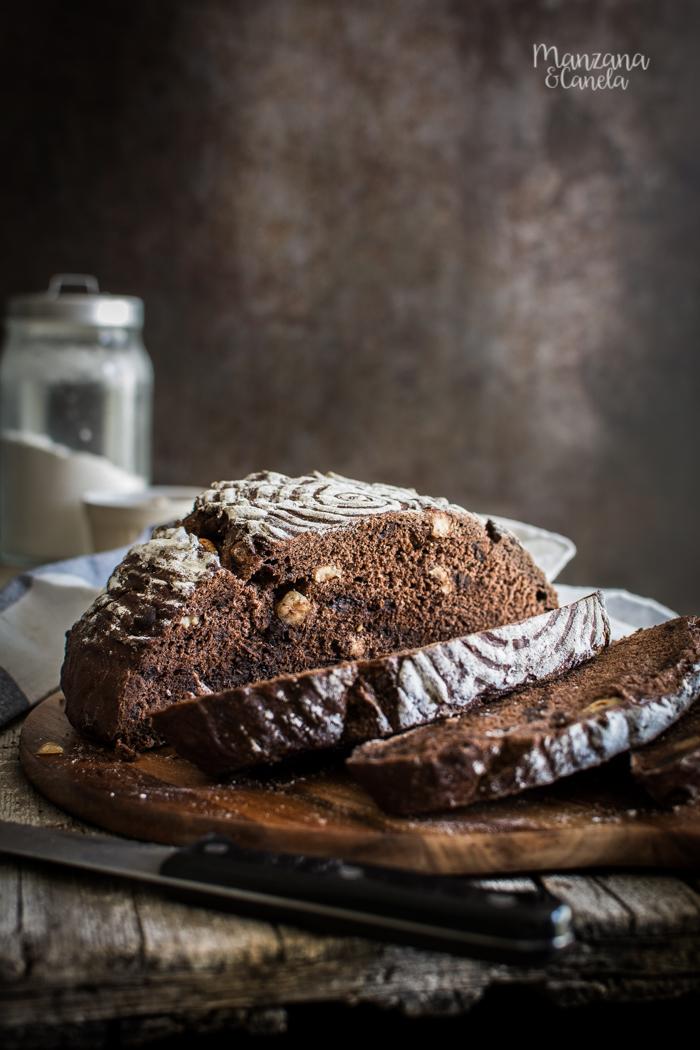 Pan fácil de chocolate y avellanas. Receta con y sin Thermomix