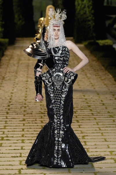 Dior Fashion Show – Haute Couture spring / summer 2009