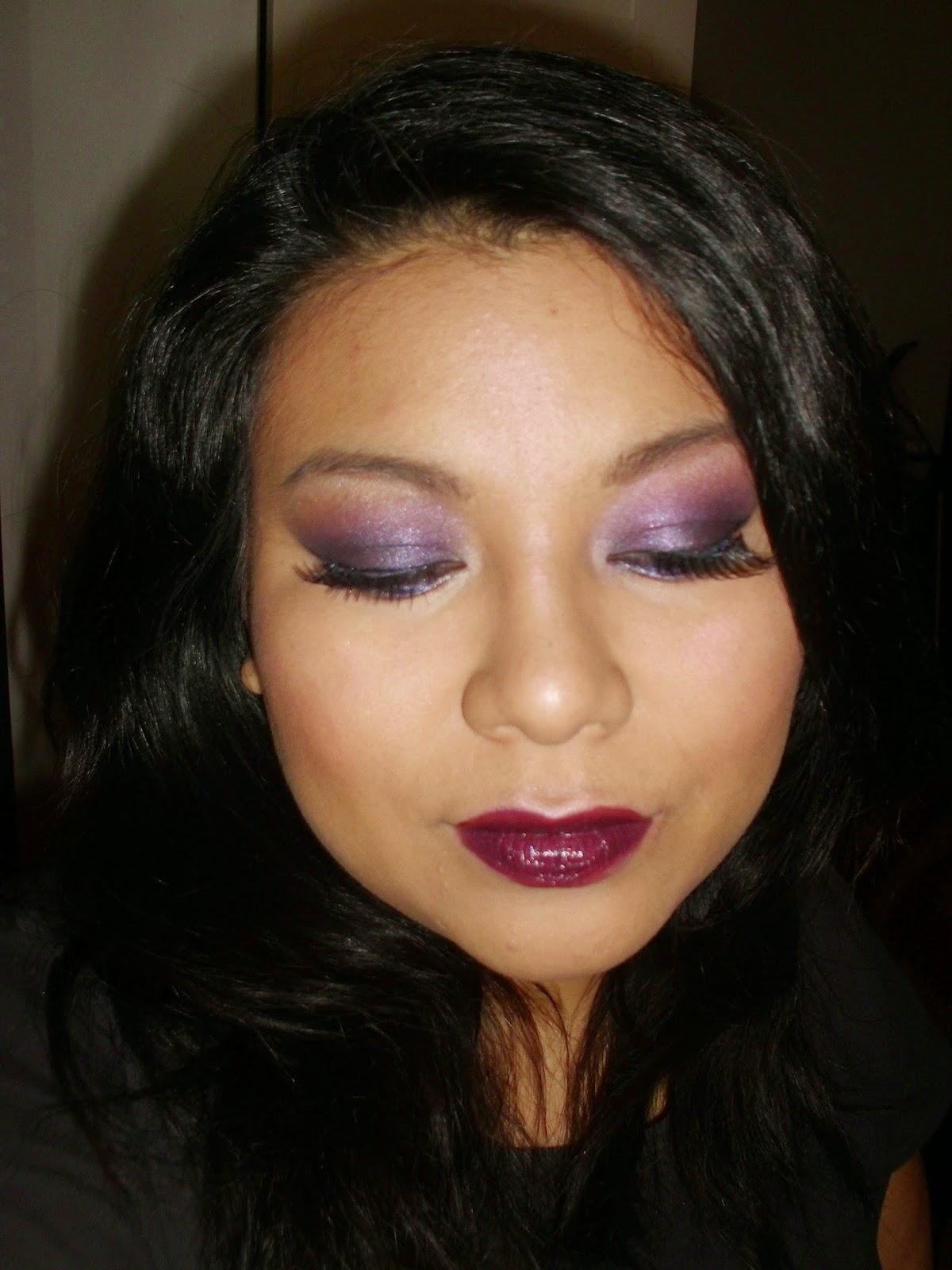 Kat Graham, Cherry Diamond Lips, The Dangerous Palette, Urban Decay, Tropicalia Luminizing Satin Eye Colors Trio Shiseido, Timeless Plum Super Stay 10 h, Maybelline, 44 No more Kisses, Debby