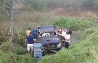Homem morre e duas pessoas ficam feridas após acidente no interior da PB