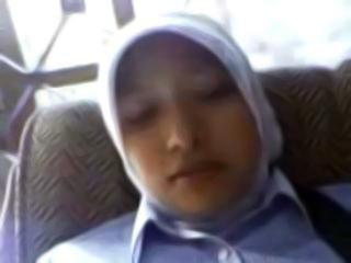 Ngentot Gadis Perawan Masih Pakai Jilbab