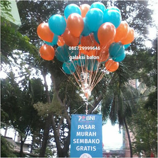 Balon pelepasan untuk acara pasar murah by BANK BNI