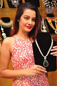 diksha launches trendz exhibition-thumbnail-11