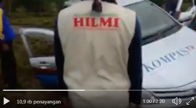 Saat Relawan FPI Bantu Mobil Kompas TV Yang Terperosok di Daerah Bencana